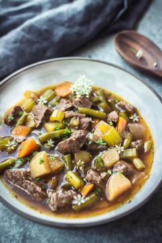 Keto Vegetable Beef Soup In An Instant Pot by Low Carb Maven - 13 Easy Keto Soup Recipes can easily be made in Crock Pots! These delicious low carb s. Beef Recipe Low Carb, Low Carb Soup Recipes, Beef Soup Recipes, Healthy Recipes, Ketogenic Recipes, Crockpot Recipes, Ketogenic Diet, Zoodle Recipes, Pescatarian Recipes