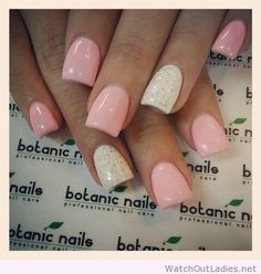 Botanic nails light pink, white glitter – Watch out Ladies Fabulous Nails, Gorgeous Nails, Pretty Nails, Amazing Nails, Botanic Nails, Light Pink Nails, Hot Nails, Manicure And Pedicure, Wedding Nails