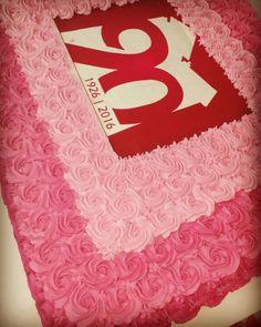 Bolo confeitado com rosas!