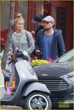 Leonardo DiCaprio & Nina Agdal Take a Mid-Week Stroll Around Manhattan