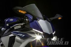 Yamaha YZF-R1 2015 Headlights