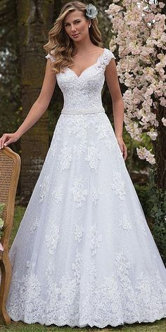 Graceful Tulle & Lace V-neck Neckline A-line Weddin.- Graceful Tulle & Lace V-neck Neckline A-line Wedding Dress With Lace Appliques & Beadings NEW! Graceful Tulle & Lace V-neck Neckline A-line Wedding Dress With Lace Appliques & Beadings - Western Wedding Dresses, Modest Wedding Dresses, Wedding Dress Styles, Wedding Attire, Bridal Dresses, Wedding Gowns, Bridesmaid Dresses, Lace Wedding, Event Dresses