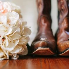 Cowboy boots, a country band, and adorably sweet Southern details in this outdoor country wedding at a plantation-style Central FL venue.