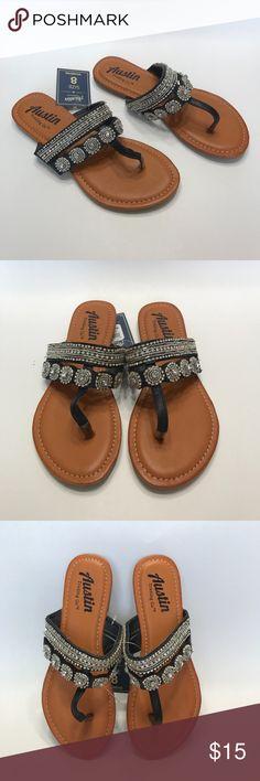 Austin Trading Co. Women's Kamarina Sandals Austin Trading Co. Women's Kamarina Sandals Size 8  Specifications: Material: Man-made Materials Gender: Women's Style: Sandal Austin Trading Co. Shoes Sandals