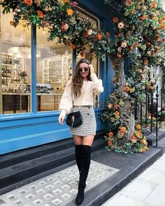 winter outfits new york 50 schicke Sweater Outfit - winteroutfits Europe Outfits, New York Outfits, City Outfits, Paris Outfits, Casual Fall Outfits, Classy Outfits, Trendy Outfits, Work Outfits, Fall Skirt Outfits
