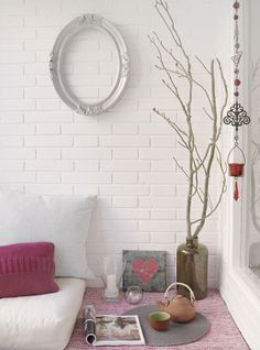 The IKEA-filled home of Littlefew blogger Laura | Delikatissen