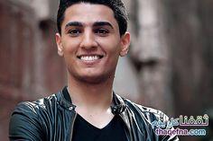 """تعرض الفنان الفلسطيني محمد عساف أثناء تواجده في الأردن لتسجيل أغنيته الجديدة"""" سيوف العز"""" الى طلب جريء من إحدى الفتيات الأردنيات والتي قابلته بشكل مفاجيء"""