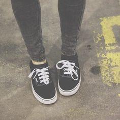 black sneakers and stone wash grey denim skinny jeans grunge alternative fashion style