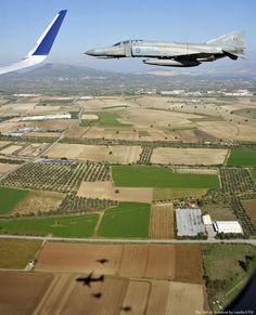 AEGEAN Πετώντας με τα μαχητικά μας, τύπου Mirage 2000-5 Mk.2, F-16D Blc.52+ και F-4E PI-2000, λίγο πριν την προσγείωση στήν Τανάγρα.