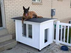 Get design ideas with pictures to build your own DIY Dog House. Free Dog House Plans included at end of article. 30 awesome dog house designs with pictures. Build A Dog House, Dog House Plans, House Building, Cabin Plans, Dog Kennel Cover, Diy Dog Kennel, Kennel Ideas, Villa Plan, Outdoor Dog