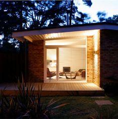 MidMod bungalow in theUK - desire to inspire - desiretoinspire.net
