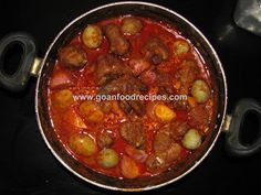 Chicken Xacuti, with pictures and step by step instructions.