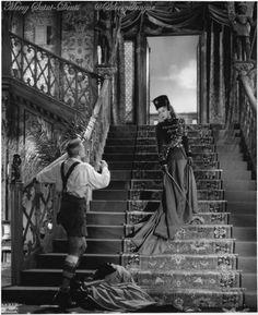 L'Aigle à deux têtes de Jean Cocteau (1947).
