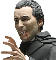 christopher lee as dracula photo image   Christopher Lee como Conde Drácula – Busto Hammer Horror