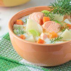 Potage au saumon et aux légumes nouveaux