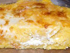 Mamaliga gratinata la cuptor Cornbread Muffins, Vegetarian Recipes, Healthy Recipes, Romanian Food, I Want To Eat, Vanilla Cake, Lasagna, Cheese, Dishes
