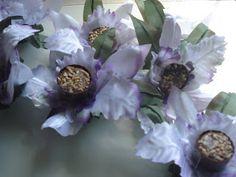 Forminhas para doces finosObra de Arte: Luxo de forminha!Orquídeas em cetim,um…