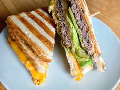 Big Mac Sandwich: Legendärer Burger in neuer Form - OptiGrill Rezepte - You will love this OptiGrill recipe for a Big Mac sandwich – like the original with two patties, - Sandwiches, Pork Sandwich, Sandwich Recipes, Toast Sandwich, Sandwich Ideas, Big Mac, Toast Pizza, Best French Toast, Cinnamon French Toast