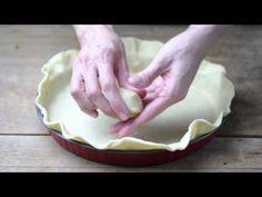 Tartas, Galletas Decoradas y Cupcakes: Decoración de bordes de Tartas de Hojaldre Cake Tutorial, Serving Bowls, Icing, Deserts, Cookies, Eat, Tableware, Cook, Recipes