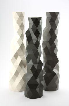 Faceture vase/ Phil Cuttance / 2012 / Self-production (UK) 3d Printer Designs, Elements Of Design, Paper Folding, Origami, Objects, Artsy, Vase, Ceramics, Inspiration