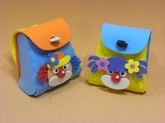 Mini Mochila para o Dia das Crianças - Palhacinhos para montar  www.petilola.com.br