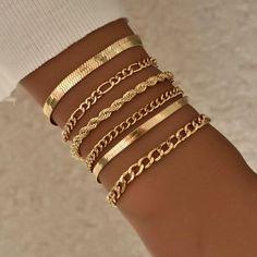 Stylish Jewelry, Cute Jewelry, Fashion Jewelry, Fashion Accessories, Fashion Bracelets, Gold Link Bracelet, Bracelet Set, Gold Bracelets, Jewellery Bracelets