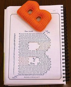Букви англійського алфавіту гачком 1 схема B Crochet Alphabet Letters, Crochet Letters Pattern, Letter Patterns, Alphabet And Numbers, Crochet Patterns, Crochet Diagram, Crochet Chart, Crochet Motif, Crochet Stitches