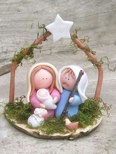 pinterest pesebres en porcelana fria - Buscar con Google Polymer Clay Figures, Polymer Clay Crafts, Christmas Nativity Scene, Christmas Time, Nativity Scenes, Crea Fimo, Polymer Clay Christmas, Nativity Crafts, Clay Ornaments