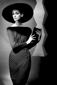 1962, Berlin. Model Judy Dent in a dress by Heinz Oestergaard. Photo by FC Gundlach (B1926)