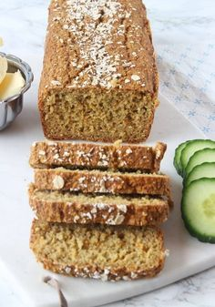 Vispa äggen fluffiga med en elvisp i en Bread Recipes, Baking Recipes, Healthy Recipes, Food N, Food And Drink, Lactose Free Recipes, Gluten Free, Scandinavian Food, Easy Bread