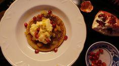 Manteli- ja tattarijauhoista tehty gluteeniton pancake