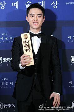 D.O - 160603 52nd Baeksang Arts Awards Credit: JTBC第52届百想艺术大赏官网. (제52회 백상예술대상)