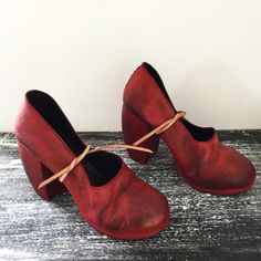 Process ❤️ #nutsamodebadze #handmade #leather #artisan #art #fashion #womensfashion #painting