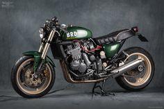 Triumph Sprint #Custom #Motorcycle - British Racing Dream by Mr Martini | Moto Rivista