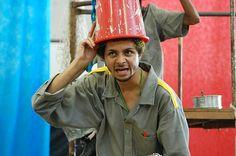 """No sábado (21), às 19h, a Cia dos Inventivos apresenta o espetáculo """"Canteiro"""", no Centro Cultural Arte em Construção (Avenida dos Metalúrgicos, 2100), sede do grupo Pombas Urbanas, no bairro Cidade Tiradentes, zona leste de São Paulo. Livremente inspirada na obra """"Viva o Povo Brasileiro"""", de João Ubaldo Ribeiro, o espetáculo de rua aborda a...<br /><a class=""""more-link"""" href=""""https://catracalivre.com.br/geral/agenda/barato/cia-dos-inventivos-apresenta-o-espetaculo-canteiro/"""">Continue lendo…"""
