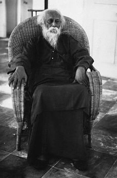 Portrait of Indian author and poet Rabindranath Tagore, circa Rare Pictures, Rare Photos, Indian Freedom Fighters, Indian Poets, Vintage Vignettes, Rabindranath Tagore, Famous Poets, Vintage India, Writers And Poets