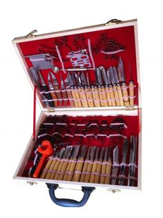 80 piece Carving set  	£79.00    This extended set is a suitable solution for beginners who want to learn this art. This set contains different sizes of U, V, P and Z chisels, knife for decorations, cutter of vegetables, vegetable knife, melon baller and other tools for carving. This set is bundled up in wooden case.      http://www.carvingtool.co.uk/product/80-piece-carving-set/236195