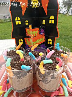 Everyday Mom's Meals ~Worms in Dirt~ A super cute dessert perfect for Halloween. Your kids will squeal in delight with this simple concoction of chocolate pudding, cookies and gummy worms!