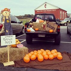 I was a farmer for halloween, with my pumpkin patch of balloons filled with candy. Trunk or treat is always a blast! #trunkortreat #halloween #ag