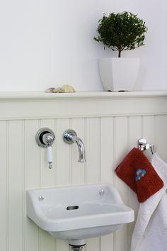 #Holzpaneele im #Badezimmer #Wandgestaltung #statt Fliesen #USA