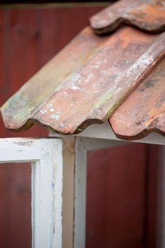Bygga miniväxthus av gamla fönster – steg för steg Old Windows, Garden Planning, Butcher Block Cutting Board, Vegetable Garden, Pergola, Home And Garden, Garden Cottage, Backyard, Patio