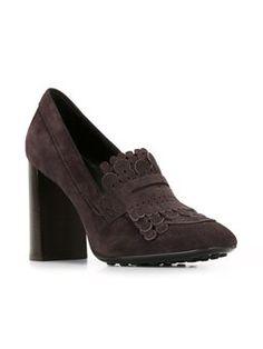 Sapato de salto com franjas