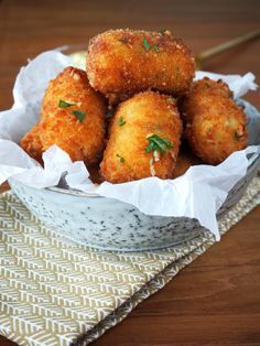 Potato croquettes and minced meat - Clean Eating Snacks Appetizers For Party, Appetizer Recipes, Party Recipes, Recipes With Chicken And Peppers, Homemade Cheese, Dutch Recipes, Cheap Dinners, Different Recipes, High Tea