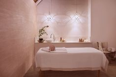 The Rose Gold Room has a rose pink hue of Quartz crystals drawn from the ancient Barberton mountain range - the oldest in the world. This pink quartz is recognised as the stone of universal love which restores trust, harmony and emanates unconditional love in relationships, between man, animals and nature. Rose Quartz is known also to purify and open the heart, promoting love and self-love, friendship, peace and deep inner healing. Pink Quartz, Rose Quartz, Rose Gold Rooms, Stone Massage, Alternative Treatments, Deep Tissue, Spa Treatments, Mountain Range, Emperor