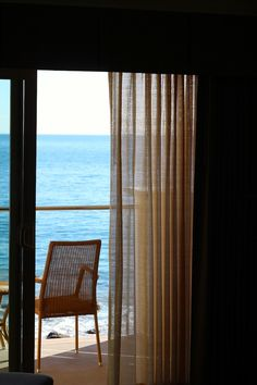 Pretty good picture. Markets the invitation to go to the balcony. Guest room at the Malibu Beach Inn  Photo by LA By Diana Live Magazine