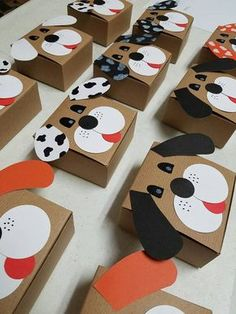 Puppy favor boxes. Sets of 6. Puppy party favors. Dog themed Dog Themed Parties, Puppy Birthday Parties, Puppy Party, Dog Birthday, Birthday Party Themes, Kids Crafts, Adoption Party, Animal Party, Party Favors