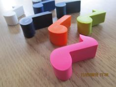 Music note crayons set of 8  party favor  recycled by KagesKrayons #notes #music #kids