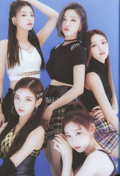 Photo album containing 102 pictures of ITZY Kpop Girl Groups, Korean Girl Groups, Kpop Girls, Jung So Min, K Wallpaper, Group Poses, Doja Cat, Fandom, Me As A Girlfriend