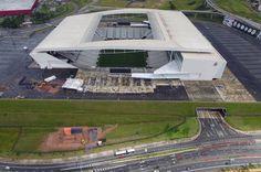 Vazamento sob Arena Corinthians ameaça soterrar avenida - Esporte - UOL Esporte