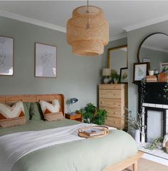 60 Gorgeous Modern Bedroom Decor Ideas These trendy Home Decor ideas would gain you amazing compliments. Check out our gallery for more ideas these are trendy this year. Sage Green Bedroom, Green Bedroom Decor, Modern Bedroom Decor, Green Rooms, Green Bedroom Walls, Light Green Bedrooms, Calming Bedroom Colors, Sage Green Walls, Bedroom Color Schemes